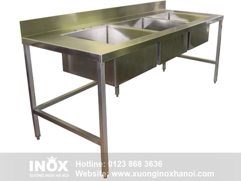 smart-Commercial-Kitchen-Sinks-At-KITCHEN-SINKS-Stainless-Steel-Industrial-Table-with
