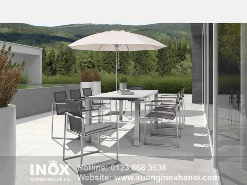 Outdoor-stainless-steel-table